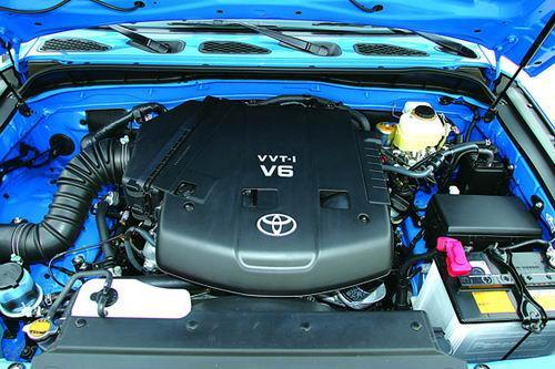 4.0升V6发动机和5档自动变速器是丰田比较成熟的动力系统