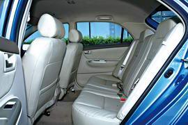 F3R的座椅采用了真皮材质,质感更佳