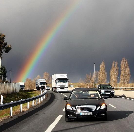 从彩虹驶来的新E级会带给我们怎样的体验呢