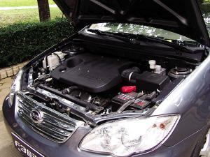 比亚迪F3自动挡发动机发动机