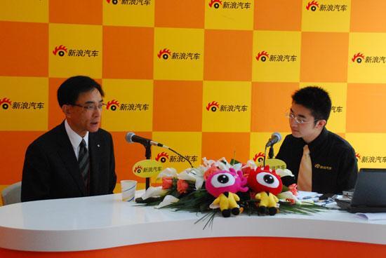 图为丰田汽车(中国)投资有限公司副总经理曾林堂接受新浪汽车2009上海车展专访