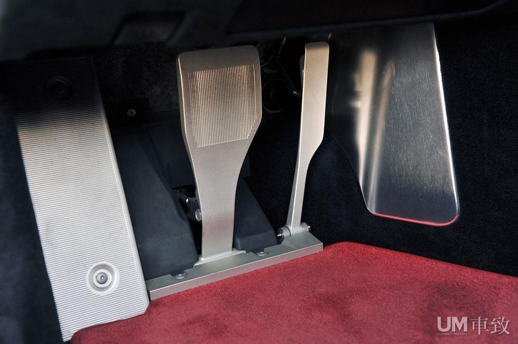 试驾2012雷克萨斯LFA