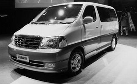 华晨金杯阁瑞斯分化MPV市场新车更显豪华(图)
