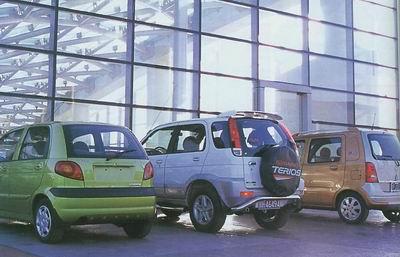 在国内汽车市场上,小型轿车雪佛兰乐驰(spark),小型单厢车欧宝欧捷利