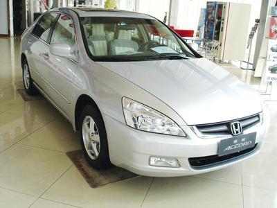 2006年12月份雅阁被挤下中级车销量冠军的位置