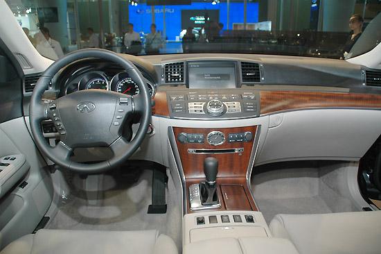 英菲尼迪M35豪华轿车年底公布售价明年初上市