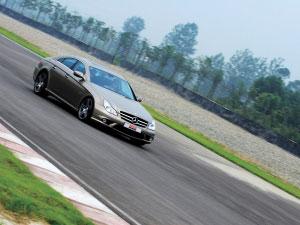 体验梅赛德斯-奔驰CLS63AMG的运动天赋