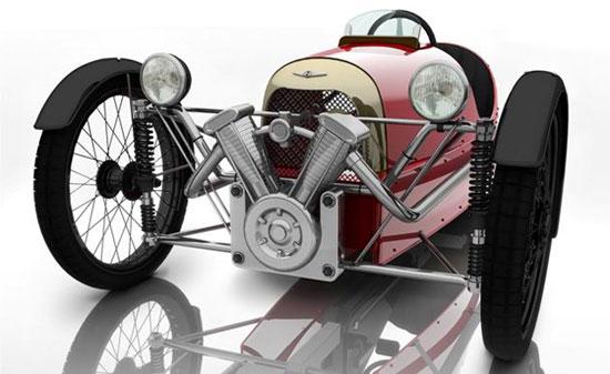 摩根是英国知名老爷车制造商,1909年出产的摩根HFS三轮车曾风靡一时。虽然这只是一款三轮脚踏车,但却同普通摩根跑车在同一厂房生产,尺寸为HFS三轮跑车的三分之二,为摩根的百年大庆而特别研制。该车坚持摩根造车哲学,车身由铝合金制成,坚持以超轻车身获取良好性能表现。配有3速变速系统,为了尽可能的降低重心高度,摩根提供一个类似于躺车的骑行姿态,使用应该很舒适。车头仍配上一台V型双缸发动机,但只是一个装饰,使用管状车架和转向轻盈的方向盘,从车头看很难令人相信这是一辆非机动车。