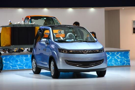 海马可爱电动小型车实拍并联纯电动轿车Mpe