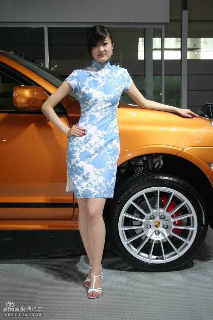 青岛车展美女模特