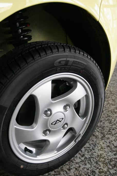 奇瑞QQ3车轮高清图片