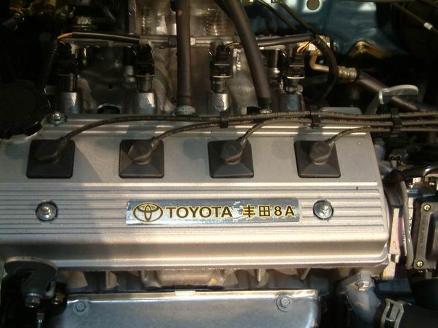 两厢夏利N3发动机高清图片
