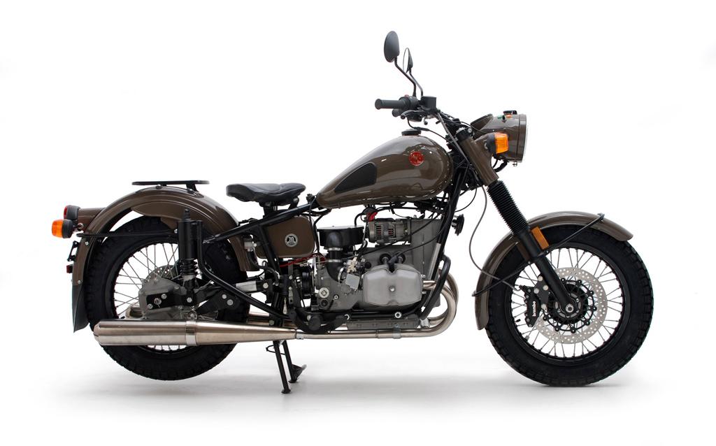 复古新生 Ural七十周年纪念版摩托车