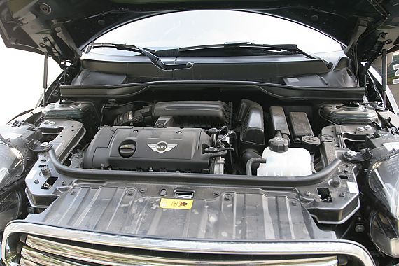MINI COUNTRYMAN发动机和底盘