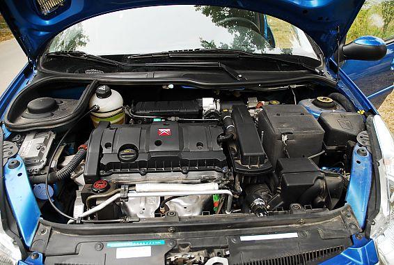 2012款雪铁龙C2 1.6升自动挡发动机