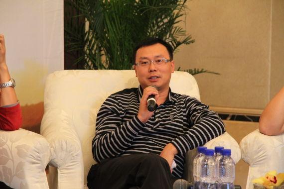 《华西都市报》常务副总经理郭登礼