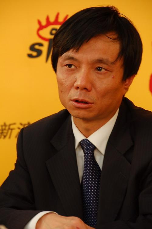 图为:北京汽修公司总工程师魏俊强