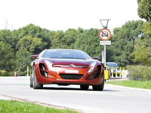 C-Metisse是少数既好看又能开的概念车,它搭载的柴油混合动力系统兼顾了动力性和燃油经济性两大优点。