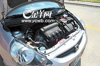 """3的发动机,来自东风本田发动机厂,使用了国内大众并不熟悉的""""I-DSI"""""""