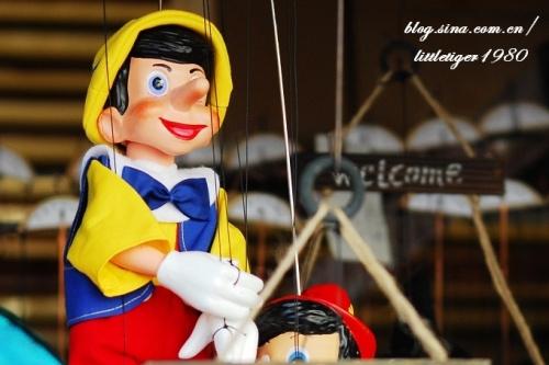 但是看到这些精巧可爱的木偶,特别一些童年的漫画之中出现过的人物的