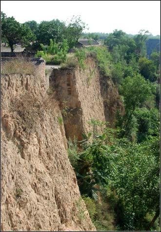 四面都是悬崖峭壁