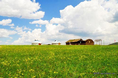 盘龙峡谷附近的草原 图:小马识途