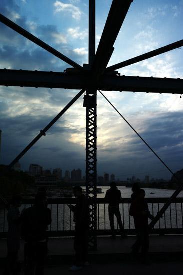 黄河铁桥(图:透视镜)
