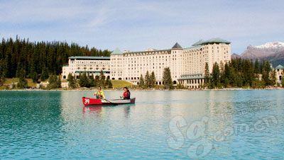 住在湖畔,最浪漫的事就是随时泛舟湖上