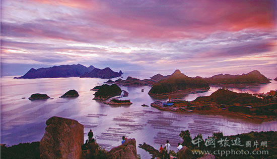坐落在太姥山附近海面上的福瑶列岛(施永平摄)