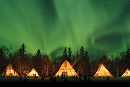 耶洛奈夫的极光 图片来源:加拿大旅游局