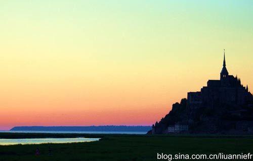 圣米歇尔山的历史可以追溯到公元708年