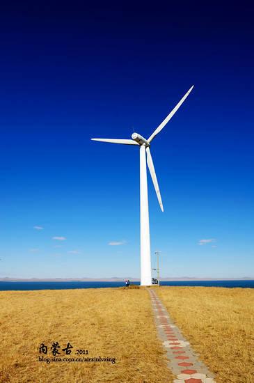 曼陀山顶巨大的风车