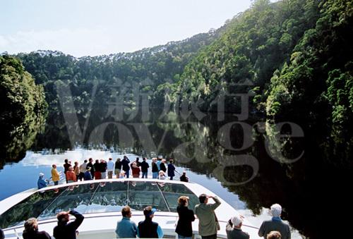江河邮轮观景