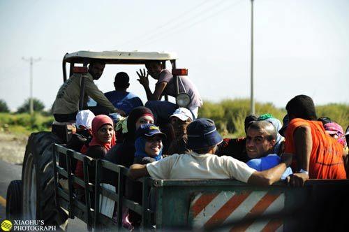 在杰里科附近遇到了一些巴勒斯坦青年