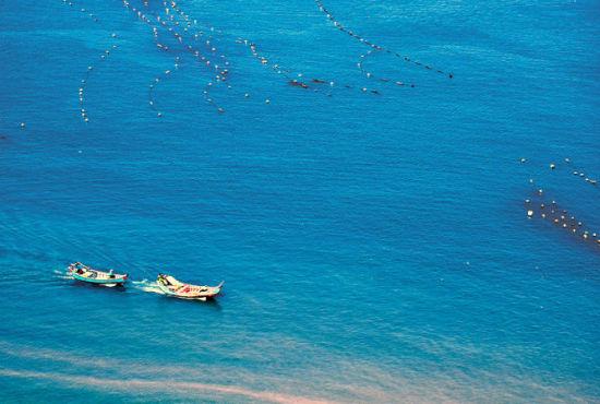 新浪旅游配图:一片湛蓝 摄影:春风牧情