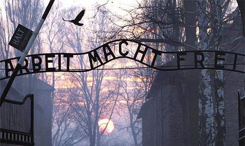 奥斯维辛集中营大门