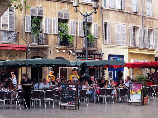 街上的咖啡馆