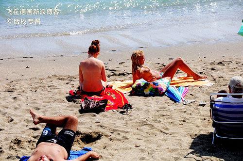 少女最爱的裸晒海滩