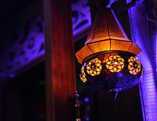 漂亮的酒吧灯饰 图片来源:爱斯基摩人 新浪博客