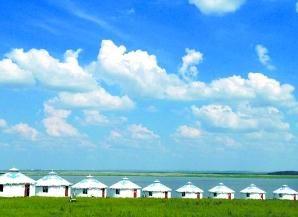 苏泊罕草原的蒙古包