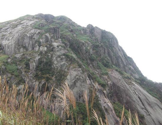 高耸的姑婆山 图片来源:xiesw80 新浪博客