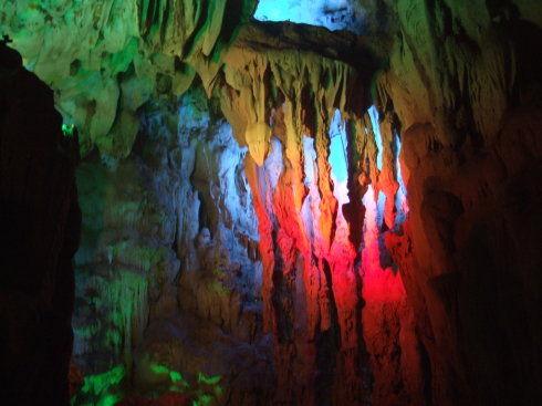 美丽的伊岭岩溶洞