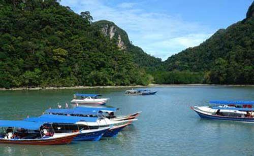 在那里开着快艇出海,在海上海钓、喝酒、看海,真是一件美事 图:新浪图库