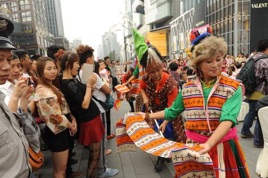 黑水第二届冰山彩林节旅游推介会在蓉举行