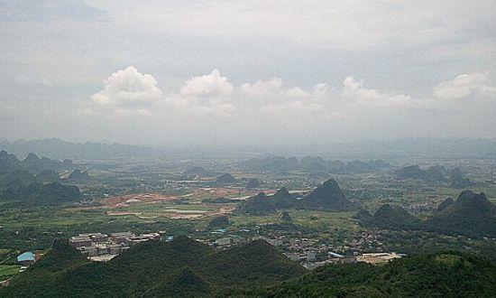 在尧山山顶俯瞰山下 图源:新浪博主/精神中原