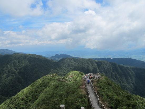云龙佛光 图:大明山风景旅游区