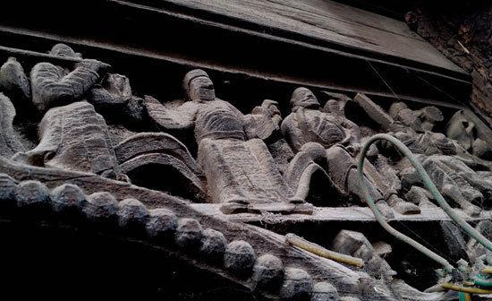 雕刻在木头上八仙图