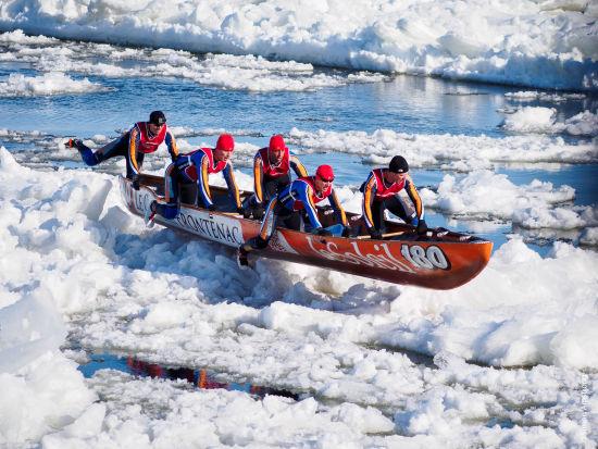 河床上划舟 来源:魁北克省旅游局