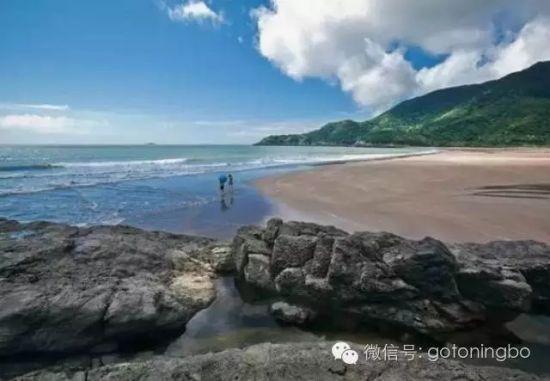 4米,为宁波市第一大岛,人口约3.5万,设鹤浦镇.