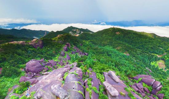 湖南桂东八面山风光多娇 引无数探险爱好者慕名前来